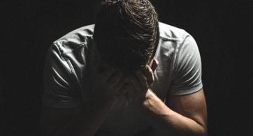 En pos de la tristeza