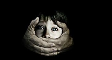 ¿Qué consecuencias puede traer el abuso infantil a largo plazo?